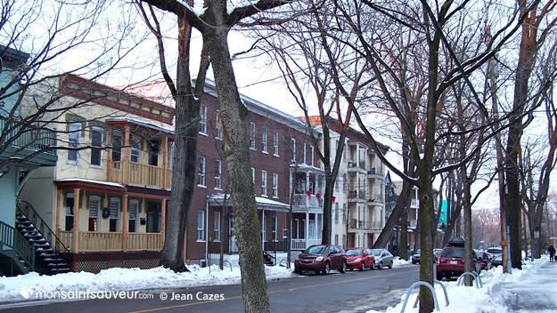 Avenue Simon-Napoléon-Parent, quartier Saint-Sauveur