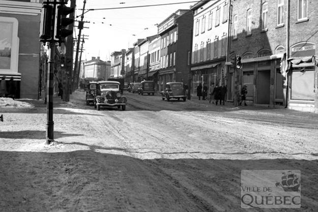 Intersection de la rue Saint-Vallier et de la rue Saint-Joseph. Archives de la Ville de Québec