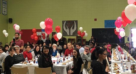Nappes blanches et dîner gastronomique à l'école Cardinal-Roy - Céline Fabriès