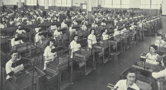 Saint-Sauveur dans les années 1940 (17) : femmes au travail à l'Arsenal Saint-Malo - Jean Cazes