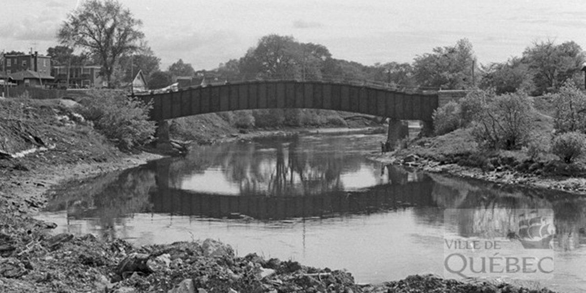 Saint-Sauveur dans les années 1970 (13) : pont sur la rivière Saint-Charles | 4 juin 2017 | Article par Jean Cazes