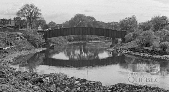 Saint-Sauveur dans les années 1970 (13) : pont sur la rivière Saint-Charles - Jean Cazes