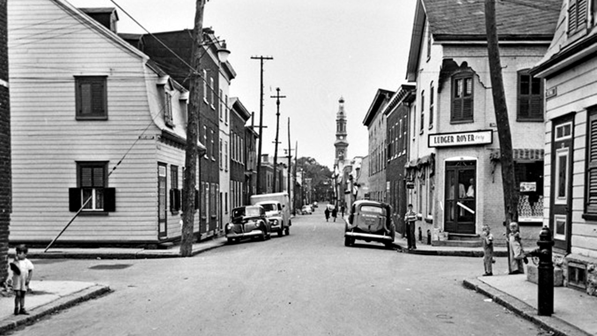 Saint-Sauveur dans les années 1950 (7) : coin Châteauguay et Victoria   16 juillet 2017   Article par Jean Cazes