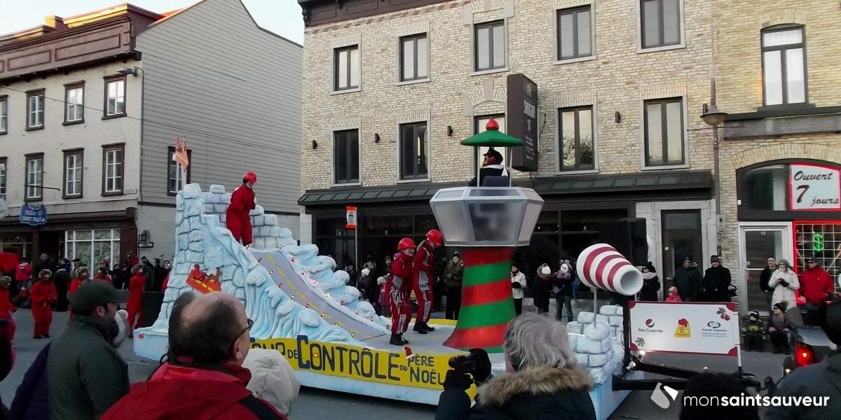 Belles foules en Basse-Ville pour la Parade des jouets 2017 | 12 novembre 2017 | Article par Suzie Genest