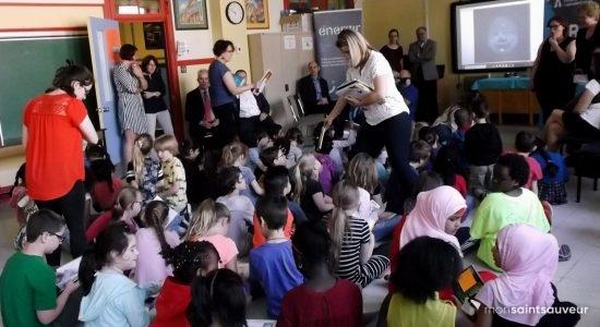 <em>La lecture en cadeau</em> visite l&rsquo;école Saint-Malo - Suzie Genest