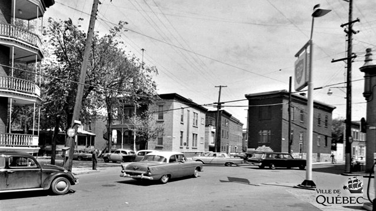 Saint-Sauveur dans les années 1960 (27): carrefour de la rue Saint-François | 6 octobre 2018 | Article par Jean Cazes