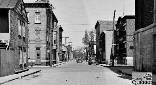 Saint-Sauveur dans les années 1940 (26) : Intersection de l'avenue des Oblats et de la rue Saint-Germain - Jean Cazes