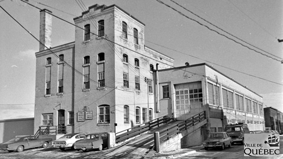 Saint-Sauveur dans les années 1970 (11) : ancien garage municipal de la rue Renaud | 12 mai 2019 | Article par Jean Cazes