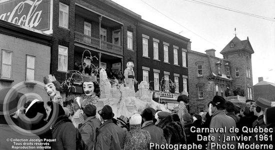 Saint-Sauveur dans les années 1960 (24) : défilé de jour du Carnaval sur Saint-Vallier - Jean Cazes