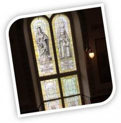 Église Saint-Sauveur, fenêtres.
