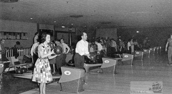 Saint-Sauveur dans les années 1960 (10) : les quilles au Centre Durocher - Jean Cazes