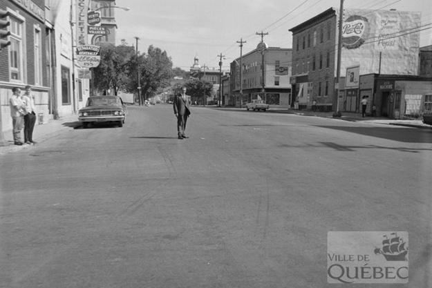 Saint-Sauveur dans les années 1960 (13) : intersection des rues Marie-de-l'Incarnation et Saint-Vallier | 21 mai 2017 | Article par Jean Cazes