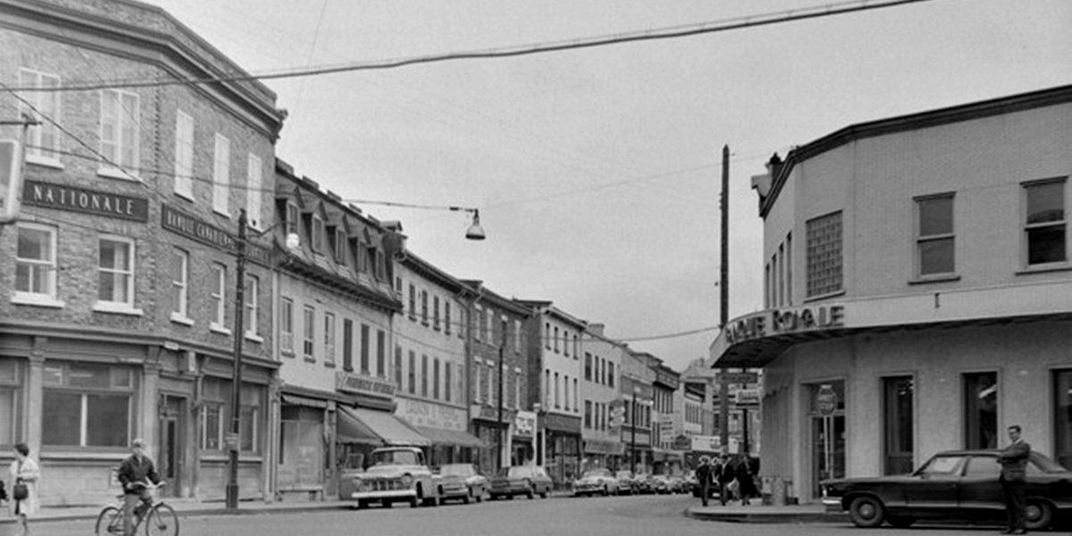 Saint-Sauveur dans les années 1960 (17) : intersection des Oblats - Saint-Vallier   20 août 2017   Article par Jean Cazes
