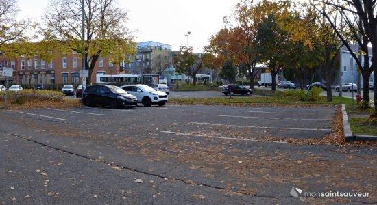 Du logement social sur le stationnement de la rue de Carillon - Julie Rheaume