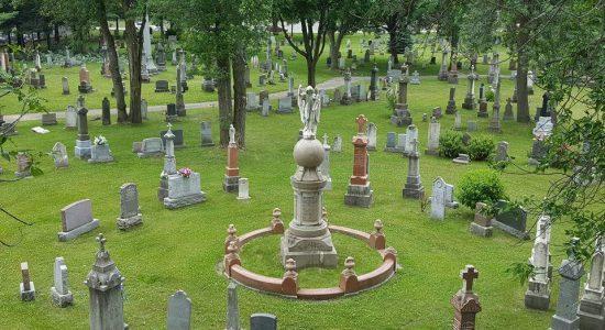 Les pierres tombales nous parlent