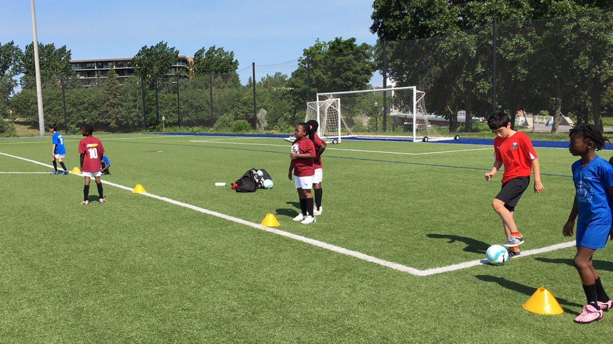Un camp avec Soccer Québec-Centre pour 20 jeunes des habitations de l'OMHQ | 26 juillet 2018 | Article par Suzie Genest