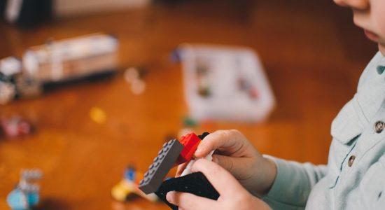 Vaisseau spatial avec des Lego motorisés
