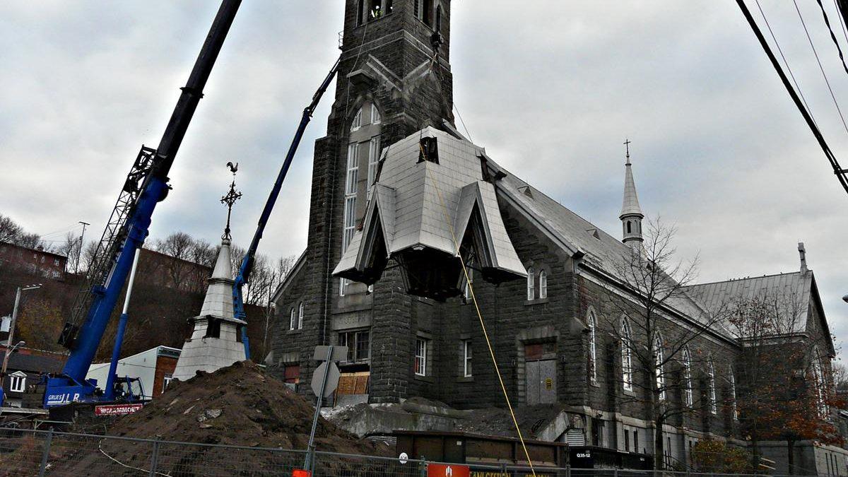 Démantèlement  de l'église Saint-Joseph.