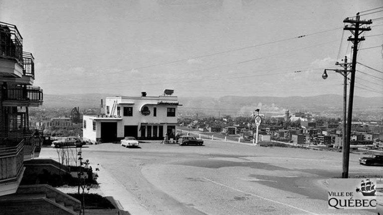 Saint-Sauveur dans les années 1950 (10) : le restaurant Penn-Mass de la côte Franklin | 20 octobre 2019 | Article par Jean Cazes