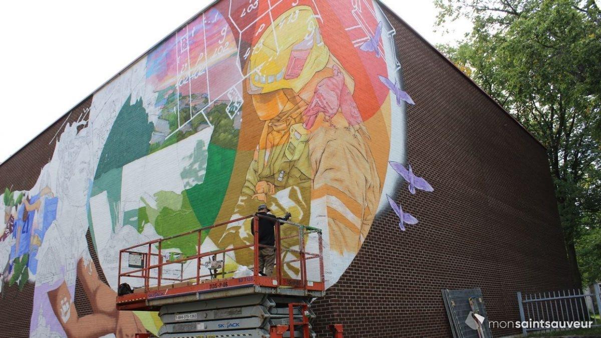 Des travailleurs à l'honneur sur une murale au Centre Durocher | 17 septembre 2021 | Article par Viktoria Miojevic