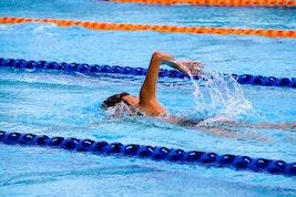 Cours de natation gratuit pour enfant